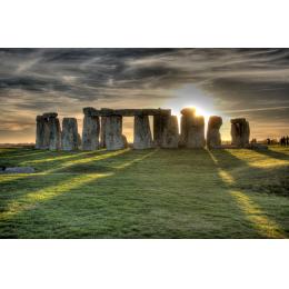 Stonehenge in controluce