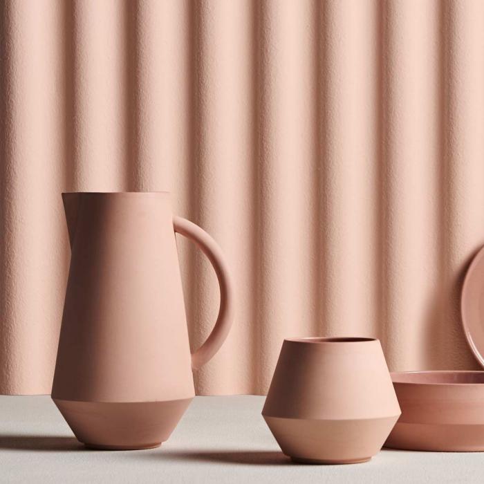 Caraffa in ceramica rosa corallo