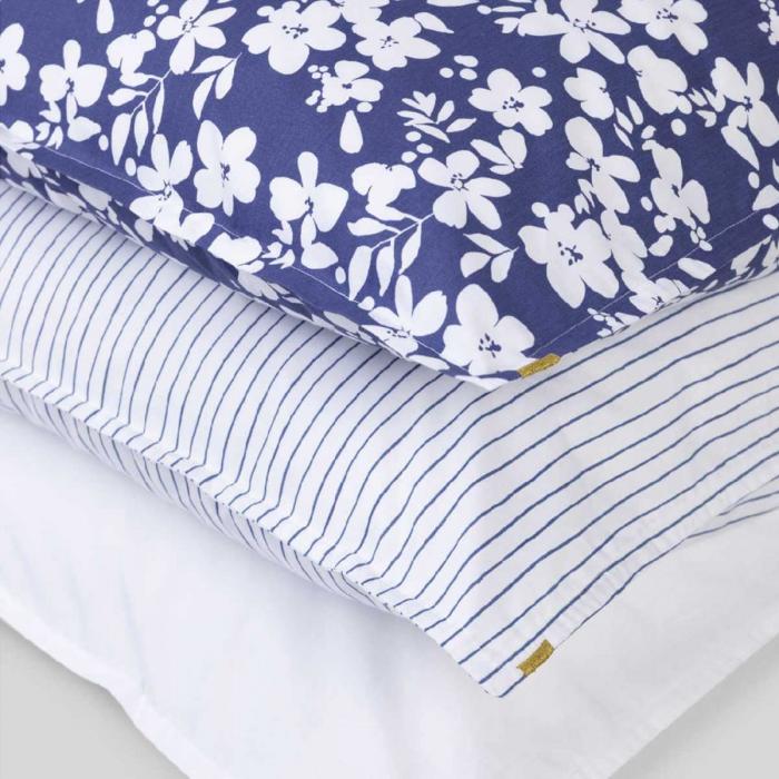 Federa blu fantasia fiori in percalle di cotone