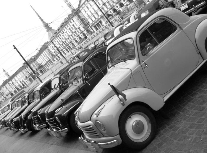 Auto d'epoca a Torino