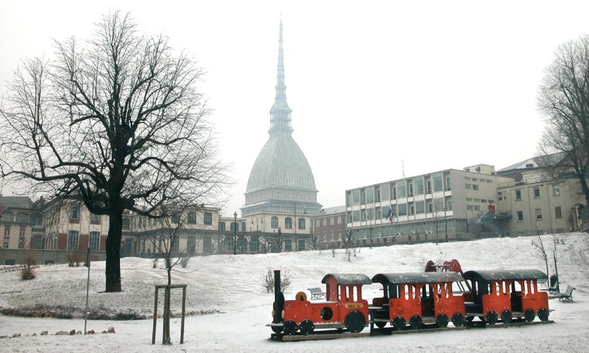Foto murale di torino con la neve gigantografia da - Immagini da colorare la neve ...