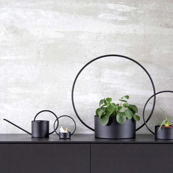 Portavaso nero in metallo - medio