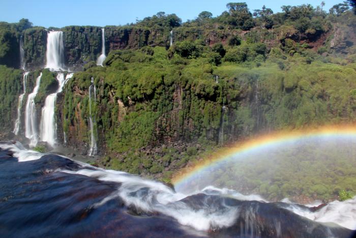 Cascate con arcobaleno