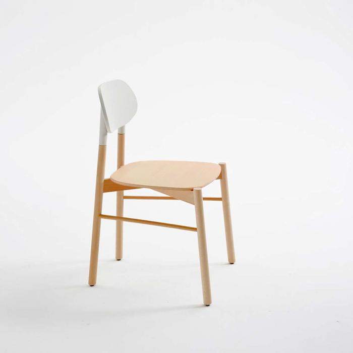 Bokken - sedia in faggio naturale con schienale bianco