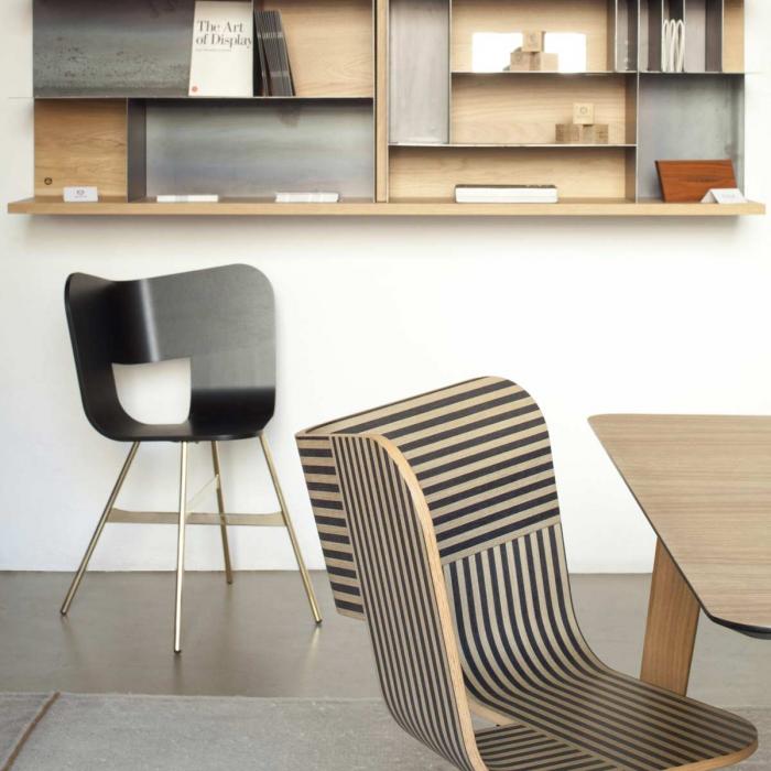 Tria wood stripes - sedia in legno a righe nere e avorio