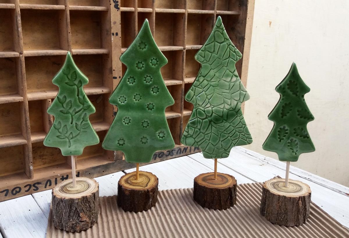 Decorazioni natalizie in ceramica set di 4 alberi di for Alberelli ornamentali