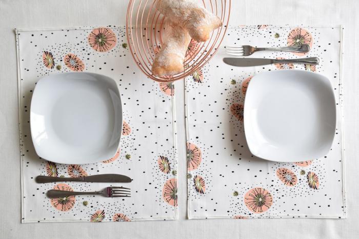 Set di tovagliette da colazione rosa