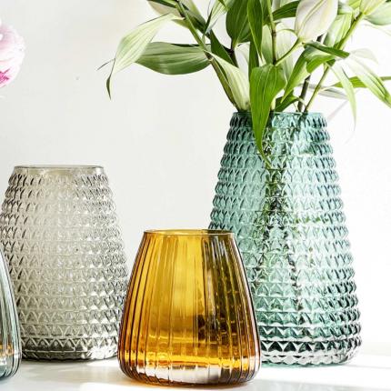 DIM Scale large - vaso in vetro soffiato verde chiaro