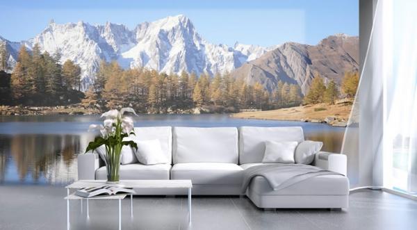 Salotto con foto murale del Monte Bianco