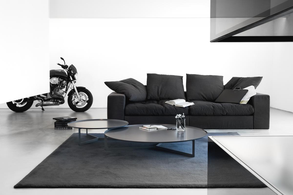 Tavolini di design in metallo